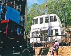 2階建てゴンドラの組み立て作業(5月12日)